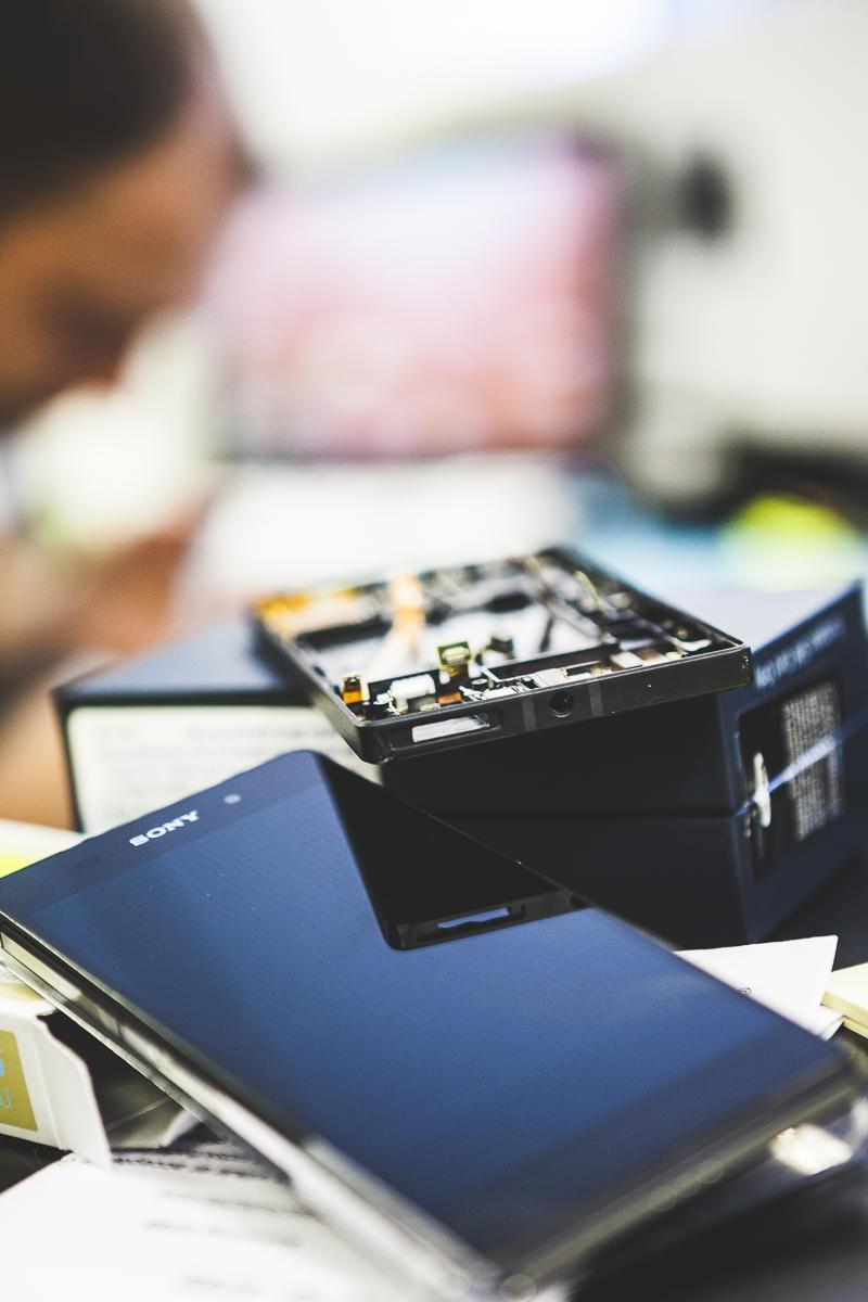 Smartphones til reparation hos tekniker ved Repmobil
